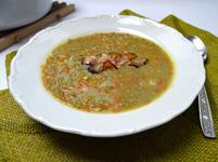 Vyzkoušejte recept na skvělou čočkovou polévku s opečenou slaninou