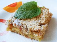 Vyzkoušejte recept na křehký rebarborový koláč