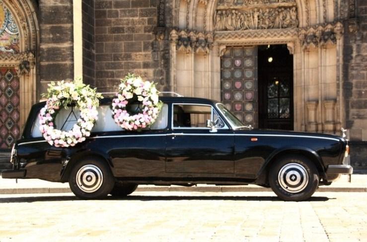 ... Pohřební služba HELFI Praha - Pohřební vozy ... 41c90f4df6