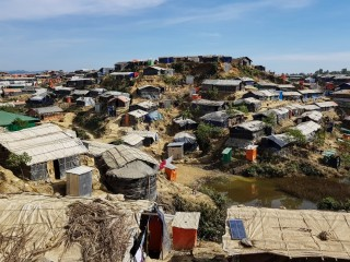 V táboře Kutupalong žije přes půl milionu lidí a další přibývají.