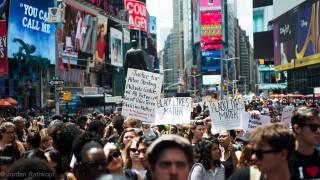 Demonstrace hnutí Black lives matter na newyorském Times Square