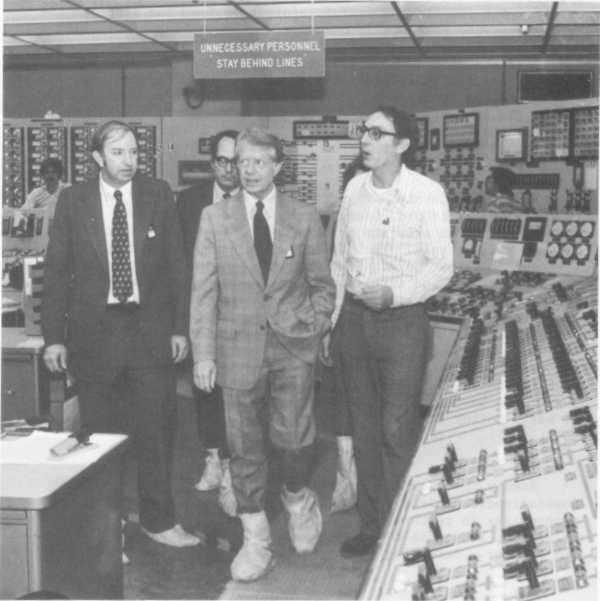 Prezident James Carter při návštěvě havarované elektrárny Three Mile Island