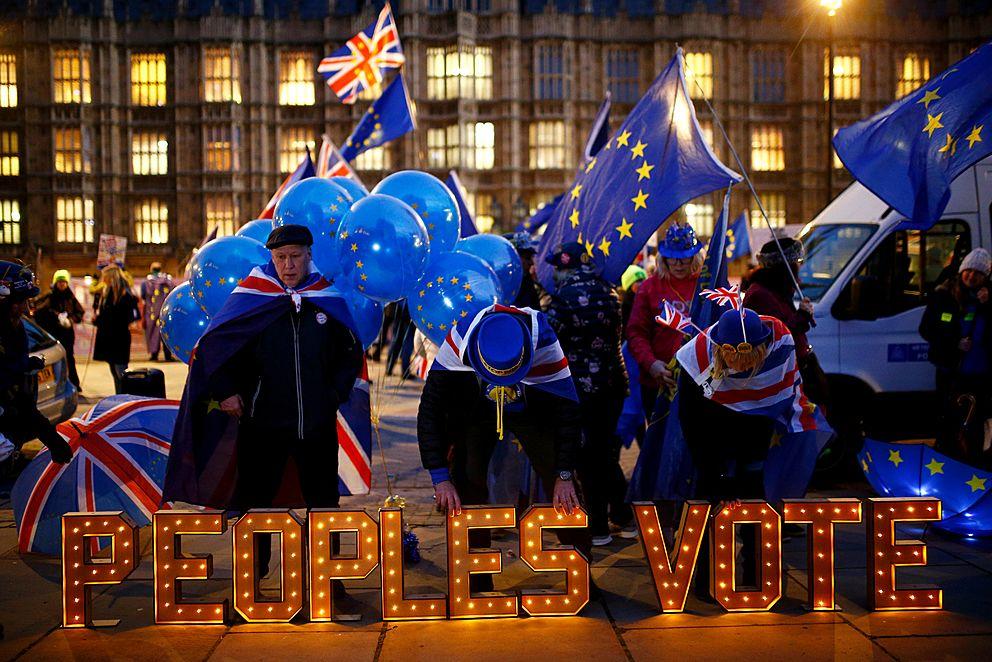 Chaos roste: premiérka odsouvá klíčové hlasování obrexitu