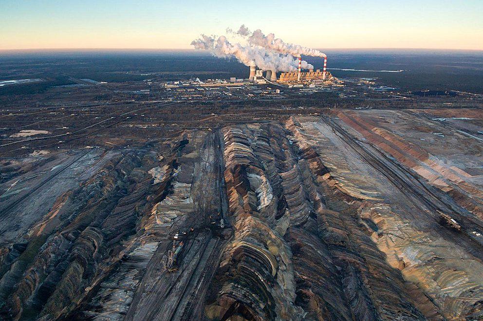 Polská vláda uhlí neopustí, má zastaralý pohled na svět