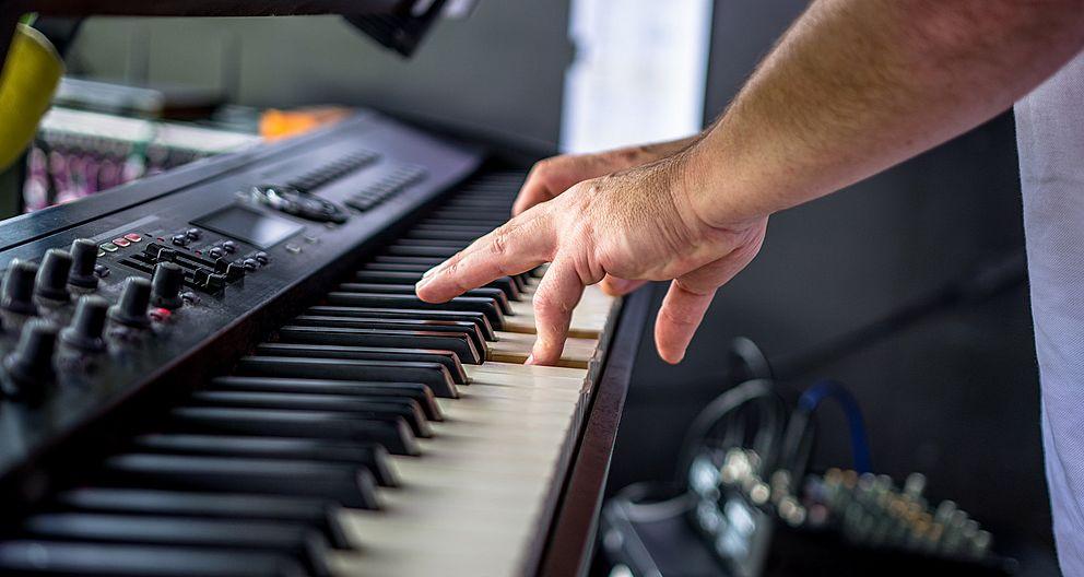 6d216da4b Jak komerční podprahová hudba ovlivňuje naše chování