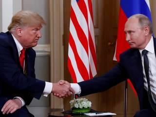 Trump se opět překonal a šokoval vstřícností k Putinovi