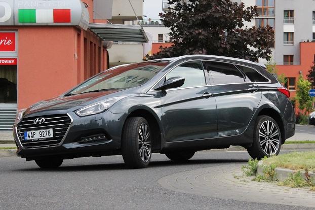 test modernizované verze vozu hyundai i40 kombi - vybermiauto.cz